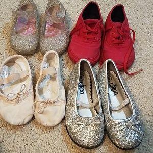 Bundle of toddler shoes